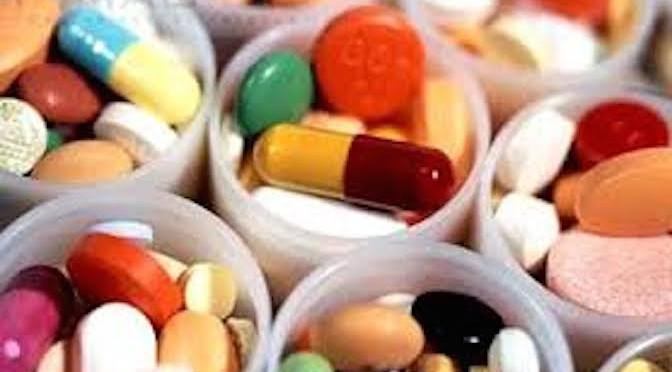 Sử dụng kháng sinh không đúng cách: Hậu quả khó lường