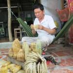Làng nghề đan lọp tép vào mùa sản xuất