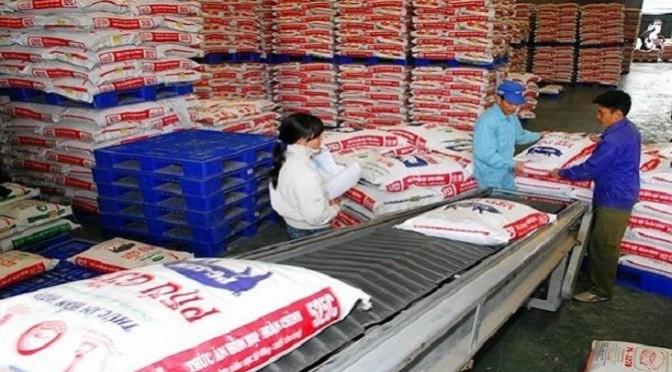 Bổ sung danh mục hóa chất, kháng sinh cấm nhập khẩu, sản xuất, kinh doanh và sử dụng trong thức ăn chăn nuôi gia súc, gia cầm tại Việt Nam